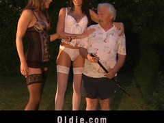 Those two youthful gals accuse the poor old guy of stealing just to reach him. Savannah Secret and Erika Bellucci crave lengthy time to try an oldyoung fucking assorted with engulfing and milking now happen